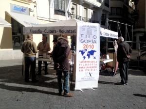 Carpa en la calle: celebración del día mundial de la filosofía