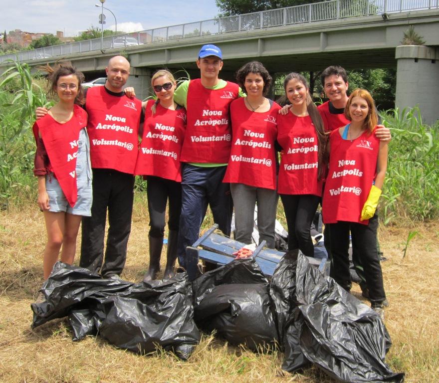 Voluntariado ecológico de Nueva Acrópolis Barcelona y Projecte Rius.