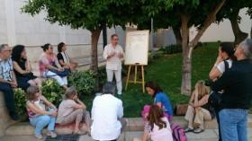 Clases de filosofía en la calle por Nueva Acrópolis Málaga