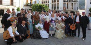 Actuación del grupo folklórico Lo Drac Alat en las fiestas populares de Chulilla