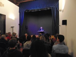 2016-11-10-charla-filosofia-y-politica-a-crgo-de-lisardo-garcia-11
