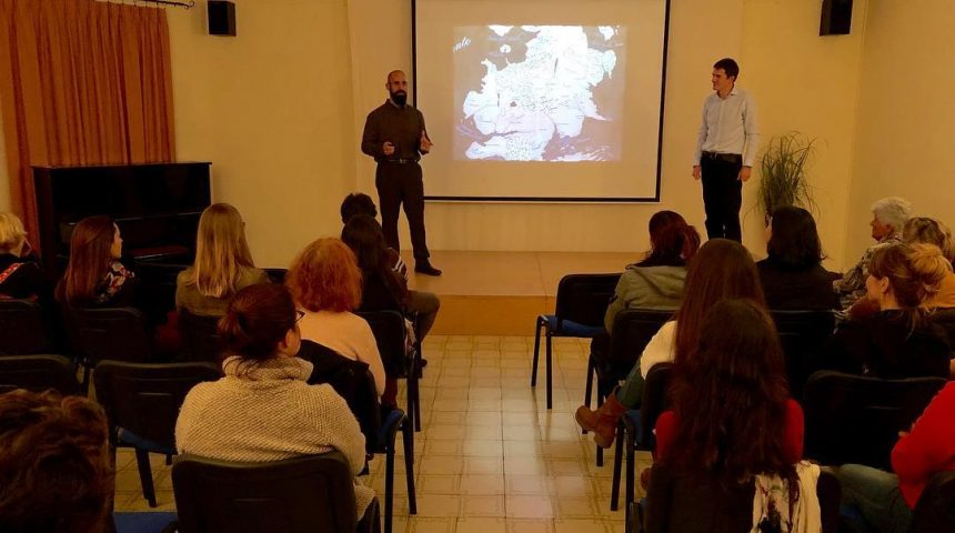Oriol Martí y Santiago Ures durante la charla de mitos y símbolos de juego de tronos.